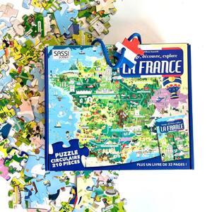 🇫🇷Découvrez la France avec SASSI Junior🇫🇷  🌐Disponible sur notre site internet sassijunior.fr 🌐 et dans vos magasins de jouets 🤖 et librairies préférés📚       #sassijunior #sassi #puzzle #jigsaw #france🇫🇷 #france #francetourisme #francestyle #frenchtouch